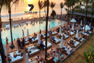 10 Infinity Pool Hotel Terbaik di Bali