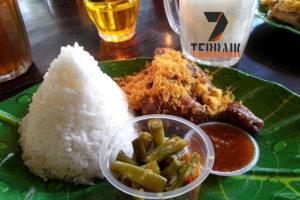 25 Rekomendasi Tempat Makan Di Depok