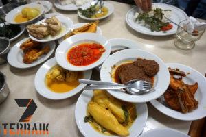 9 Rekomendasi Rumah Makan Padang di Jakarta